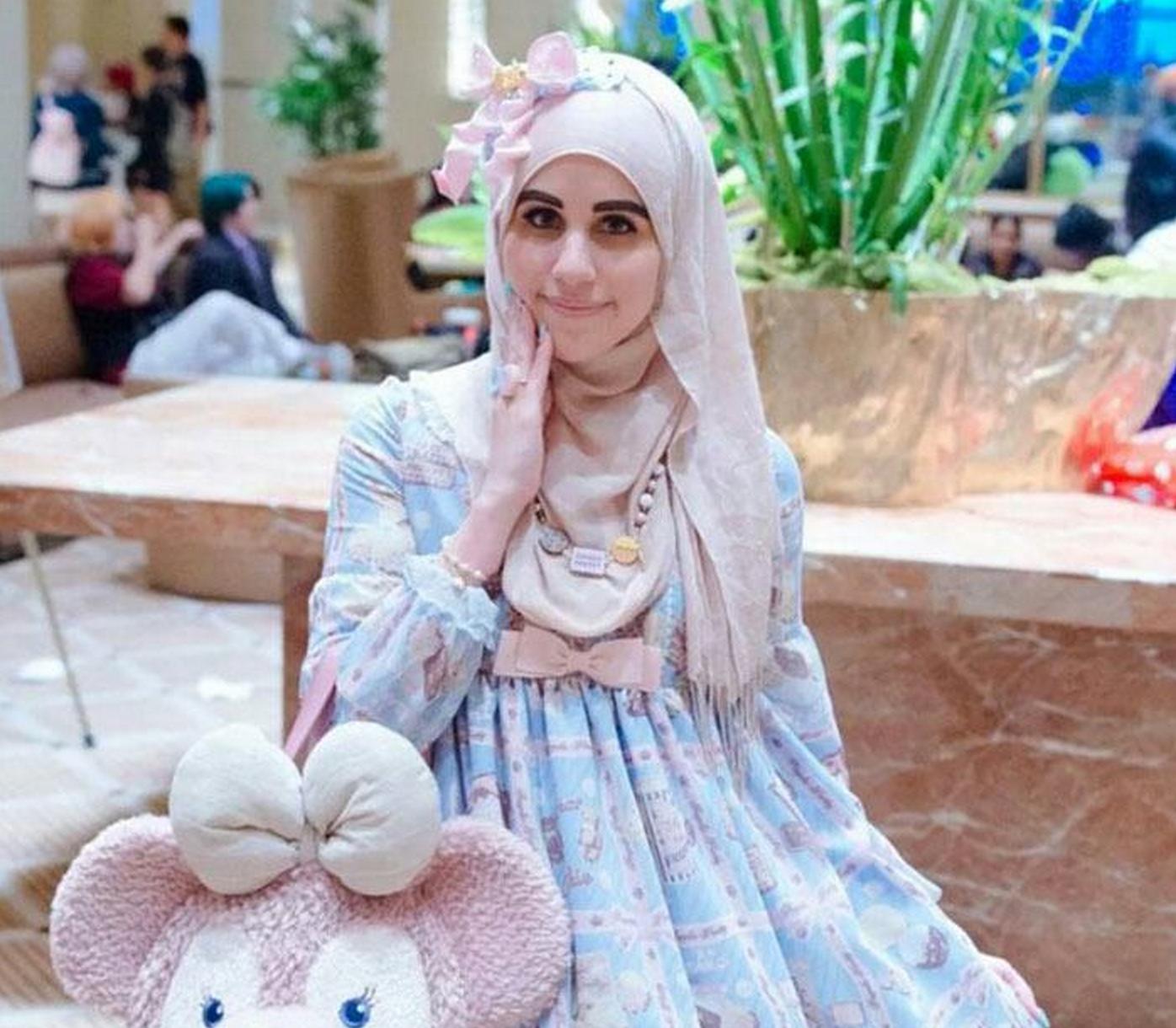 Fashion Beauty Inc: Trend Watch: The Hottest Muslim Lolita Street Style Snaps